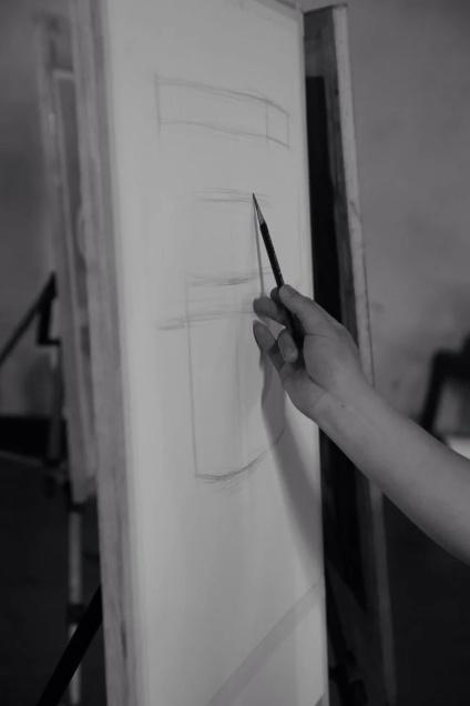 """你有没有这样的""""美术职业病"""":①兰花指——经常不自觉的翘起小拇指;②"""